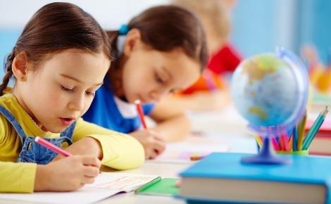essay in class teacher in hindi