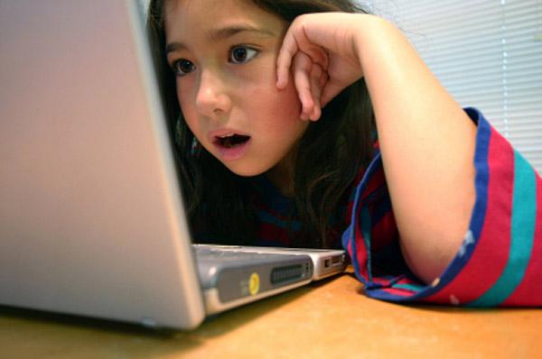 girl on laptop